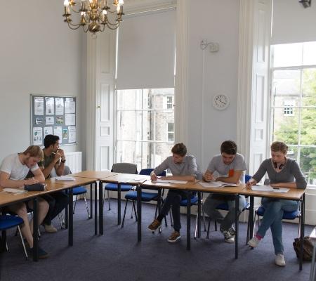Kaplan International Edinburgh Öğrenciler