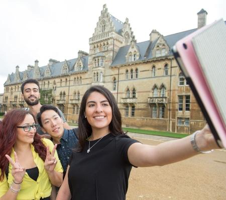 Kaplan International Oxford Sosyal Aktiviteler