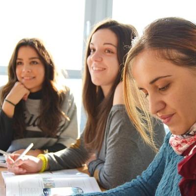 Yurtdışında dil okulu eğitimi hakkında kısa bilgiler